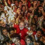 """A carta de Lula, agora candidato: """"o Brasil vai voltar a ser feliz"""""""
