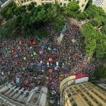 Atos do #EleNão lotam em todo o país. Na TV, nada