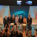 Ao vivo, o último debate do 1°turno, na Globo. Assista