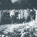 A queima de livros do nazismo já dá sinais de fumaça aqui