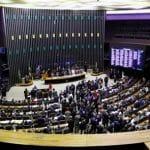 A vergonha de um parlamento que não fala, atropela