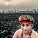 """Se eu demarcar terra indígena, fogo apaga em 2 minutos"", diz Bolsonaro"