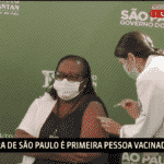 No duelo da vacina, Doria sacou mais rápido que Bolsonaro
