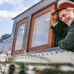 Bolsonaro radicaliza e deixa Lula livre para somar